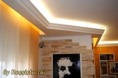 Le cornici di gesso per illuminare la propria casa for Cornici in gesso per pareti prezzi