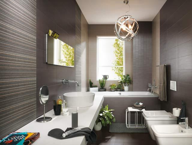 Come ottimizzare lo spazio del bagno arredandocasa - Pulire piastrelle bagno ...