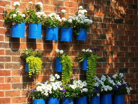 Idee fai da te per arredare il giardino arredandocasa for Oggetti per abbellire il giardino